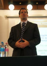 Dr. Ruthner Szabolcs